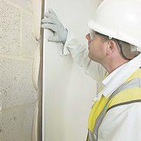 Как самостоятельно клеить гипсокартон на стену