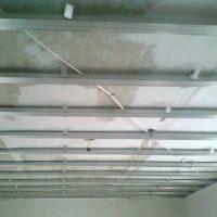 Как обшить потолок гипсокартоном — этапы работ