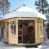 Зимняя финская беседка из дерева
